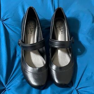 Lifestride Mary Jane Shoes size 11